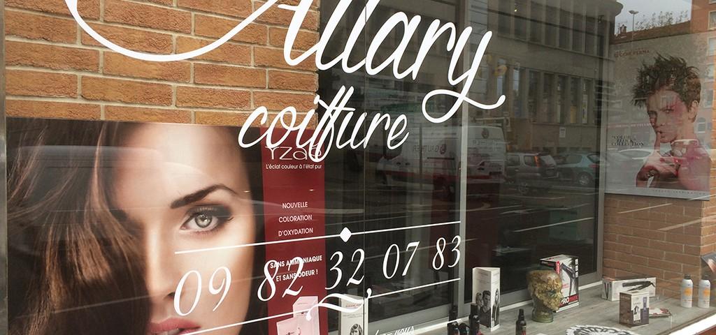 Marquage vitrine stickers coiffeur